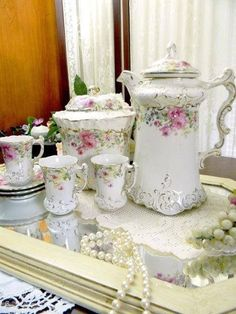 La Belle Antique Chocolate Pot - Biscuit Jar - 3 Demi Cups and Saucers - Made in USA - via Etsy. So cute for a tea party! Vintage Dishes, Vintage China, Vintage Tea, Chocolate Pots, Chocolate Coffee, English Chocolate, Tea Cup Saucer, Tea Cups, Teapots And Cups