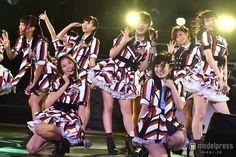 山本彩(前列右)とNMB48を牽引してきた渡辺美優紀(前列左)/(C)モデルプレス