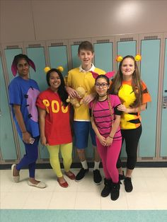 Winnie the pooh characyers group costume. Includes Christopher Robin, Tigger, Pooh, Piglet abd Eeyore