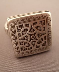 Africa   Silver ring from the Tuareg people of Niger   415€
