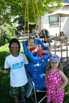 This Mom of 3 Got in Serious Trouble For Letting Her Kids Play Outside — and She's Not Having It