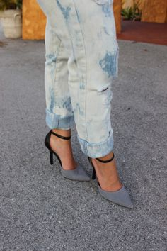 ripped jeans and pointed-toe bcbg heels!