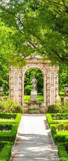 #Secret #Garden at the Four Seasons Florence — Très Haute Diva