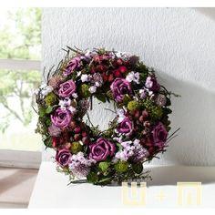 Dekokranz mit romantischen Lila Rosenblüten