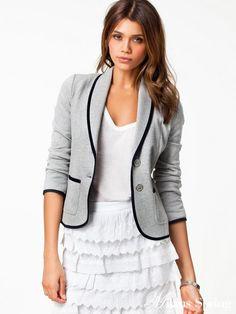 Round Lapel edge fashion casual suit