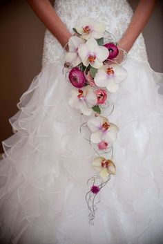 Stylish Single Bloom Wedding Bouquets ❤ See more: http://www.weddingforward.com/single-bloom-wedding-bouquets/ #weddings