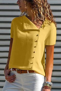 Shopping V Neck Single Breasted Plain Blouses online with high-quality and best prices Shirts & Blouses at Luvyle. Spring Fashion Casual, Moda Chic, Casual T Shirts, Work Casual, Pattern Fashion, Shirt Blouses, Tee Shirt, Blouses For Women, Ladies Blouses