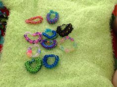 Confetti cross cross,butterfly blossom,ladder,zippy chain,birds of paradise,triple single,lace up,fishtail,rose bud (she made it up),and holiday