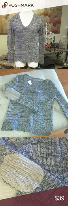 SALE*****360 Cashmere sweater LAST CHANCE!!! Wool/cashmere blend, browns and grey. Size M, v neck. Small side slits. Elbow pad accent. Armpit to armpit measures approx 18 inches. Top of shoulder to hem measures approx. 23.5 inches. EUC 360 Cashmere Sweaters V-Necks