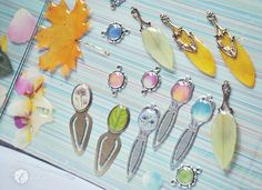 cute bookmarks with real flowers and retals rose acacia hydrangea sunflower petal resin jewelry blue pink green yellow oneflowerstory