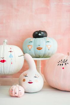 Painted pastel pumpk
