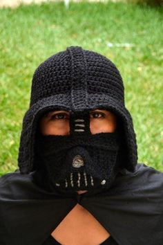 Darth Vader Crochet Hat Pattern - lots of Star Wars Free Crochet Patterns on…