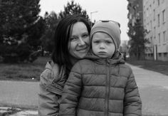 Fotoprojekt Usmej sa a zmen svet - maminka Lucka s Tobim :)  dospeli boli usmievavejsi ako deti :D  https://www.facebook.com/usmejsaazmensvet/