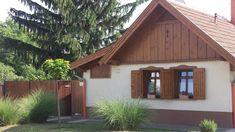 Négy emberöltőt kiszolgált az 1903-ban készült épület. Cottage Plan, Traditional House, Tiny House, Building A House, Sweet Home, New Homes, Pergola, House Styles, Home Decor