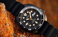 Black divers powered by the sun. The Seiko Prospex Prospex SSC673P and SNE493P.