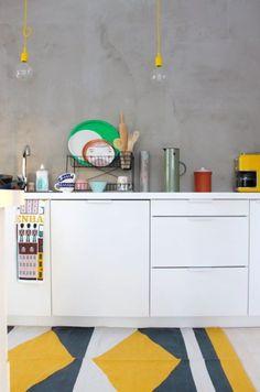 Ik droom van een nieuwe keuken. Maar dat zit er voorlopig niet in. :( Sowieso is de lijst aan klussen in ons huis eindeloos en we hebben er amper tijd voor. Gelukkig kan ik fantaseren als de beste en