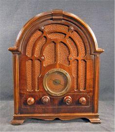 1933 RCA Model 121 Tube Radio