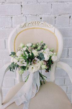 Букет невесты в светлых оттенках