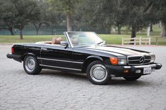 It's been a long time obsession. One day I will own you, 1977 Mercedes Benz 450SL ❤