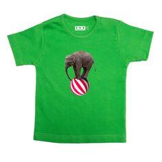 6c71f8361a15b7 Groen met olifant - Groen t shirt van katoen. Jongens model valt slank  gesneden met