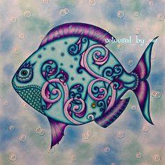 Lost Ocean. Fish. Johanna Basford. Bubble background.