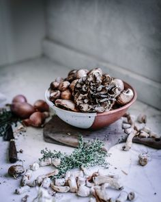 wild mushrooms and thyme for pot pie Raw Food Recipes, Vegetarian Recipes, Mushroom Recipes, Mushroom Pie, Wild Mushrooms, Stuffed Mushrooms, Local Milk, Vegetarian Thanksgiving, Edible Food