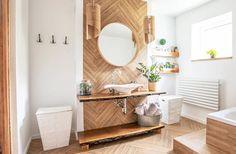 bathroom 2021 – Szukaj wGoogle Wood Floor Bathroom, Bathroom Furniture, Bathroom Interior, Small Bathroom, Accent Furniture, Cheap Bathroom Makeover, Cheap Bathroom Remodel, Cheap Bathrooms, Bathroom Layout