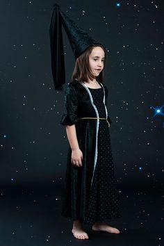 Stars Queen costume, girls black dress, halloween witch costume for girls, historical dress, medieval dress, tudor dress, Halloween costume