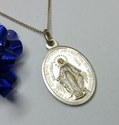 Vintage Anhänger - Heilige Maria Mutter Gottes antike Medaille SK326 - ein Designerstück von Atelier-Regina bei DaWanda