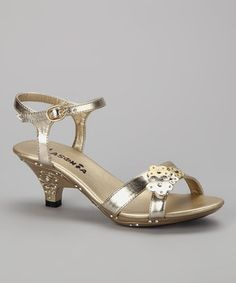 Glamorize tiny toes for any special occasion with these darling dress-up sandals. Nothing is sweeter than flowers and sparkle, and this lovely pair of sandals has both.