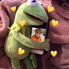 The post appeared first on Kermit the Frog Memes. James Mcavoy, Funny Friend Memes, Funny Memes, Sapo Kermit, Sapo Meme, Frog Wallpaper, Bts Funny, Jimin Selca, Bts Taehyung