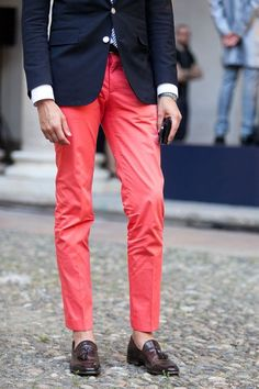 menstyle1:  Good Googa mooga! Nothing like a man in loafers. Ay ya ya! His pants are working for me too. :-))