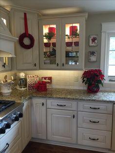 Red Christmas kitchen decor