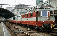 Commuter Train, Swiss Railways, Light Rail, Yokohama, Switzerland, Transportation, Japan, Buses, Train