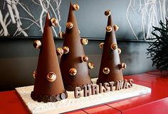 Here are a few festive shots for you, we have been busy in the kitchen creating chocolate & sugar pieces to celebrate the season.