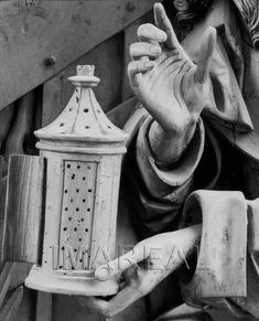 Geburt Christi;Verkündigung an die Hirten Kunstwerk: Relief-Holz ; Einrichtung sakral ; Flügelaltar-Sonntagsseite ; Meister des Kefermarkter Altars ; Passau(?) ; Lk:02:008-014 , Geburt Christi:01:001-002 , Geburt Christi:02:001-012 , Geburt Christi:03:001-007 , Geburt Christi:04:001 , Geburt Christi:14:001-006 Dokumentation: 1490 ; 1500 ; Kefermarkt ; Österreich ; Oberösterreich ; Pfarrkirche Anmerkungen: Kefermarkt ; Kefermarkter Altar