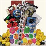 This is a wonderful online graduation gift basket that you can send to one of the kids Kids Gift Baskets, Birthday Gift Baskets, Birthday Gifts For Teens, Unique Birthday Gifts, Graduation Presents, Itunes Gift Cards, Happy Birthday Balloons, Pet Treats, Gift Wrapping