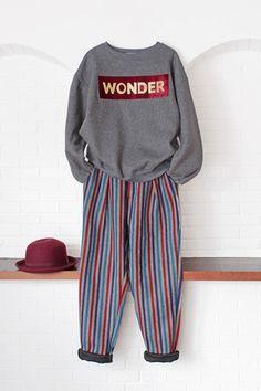 """สตรีทแฟชั่น เสื้อแขนยาว สีเทา ผ้ายืดหนาบุใยนุ่มๆ สกรีนตัวหนังสือ """"WONDER"""" : Street Fashion Outfits & Authentic Vintage [เสื้อผ้าสตรีทแฟชั่่น เดรสวินเทจพรีเมี่ยม]"""