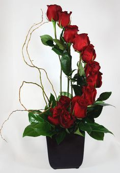 Send the Fiori di Milano Dozen Roses Flower Arrangement bouquet of flowers from Rossi & Rovetti Flowers in San Francisco, CA. Local fresh flower delivery directly from the florist and never in a box! Rosen Arrangements, Rose Flower Arrangements, Flower Bouquets, Table Arrangements, Floral Centerpieces, Deco Floral, Arte Floral, Funeral Flowers, Wedding Flowers