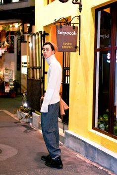 ICCHO STYLE BLOG -TOKYO STREET FASHION MAGAZINE -: [dude style no.86] - 成田 凌 Fashion Poses, Boy Fashion, Mens Fashion, Street Fashion, Street Style Magazine, Tokyo Street Style, Well Dressed, Men Dress, How To Look Better