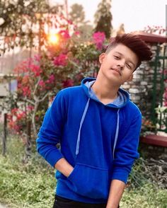 The famous tik tok star riyaz aly. Riyaz aly which was becoming a new star by the tik tok app. The tik tok star riyaz aly. Photo Poses For Boy, Cute Boy Photo, Boy Poses, Lightroom, Photoshop, Handsome Celebrities, Cute Celebrities, Photoshoot Pose Boy, Types Of Fade Haircut