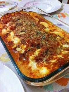 Blog da Dona Sonia (Suné): Canelone recheado de queijo e presunto com molho branco e de tomates