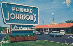 Howard Johnson's - Fried clams on Fridays. My co-worker at Triton College and I would have fried clams at HO JO. Fried Clams, Howard Johnson's, Vintage Restaurant, Photo Vintage, Thing 1, Oldies But Goodies, Down South, Good Ole, My Childhood Memories