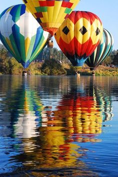 Hot Air Balloon ride: always been on my bucket list. Prosser, Washington on the Yakima River. The balloonists like to dip their toes in the water. Air Balloon Rides, Hot Air Balloon, Air Ballon, Photos Du, Beautiful World, Zeppelin, Scenery, Bubbles, Illustrations
