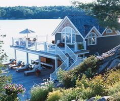 Boathouse On The Lake // Photographer Angus Fergusson // House & Home July 2006 issue
