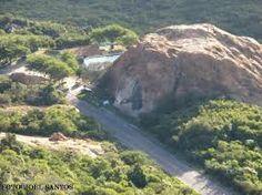 Pedra do Tendó Como chegar Pedra do Tendó, também conhecida como Pedra Que Geme é uma formação rochosa e ponto turístico da cidade de Teixeira, Paraíba. Wikipédia