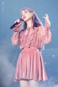 lee ji eun — 191103 Love, Poem Concert in Gwangju Day 2 Cr:. Iu Fashion, Fashion Outfits, Korean Girl, Asian Girl, Warner Music, Asian Lingerie, Kdrama Actors, I Love Girls, Korean Celebrities