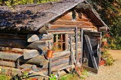 Old Gold miners cabin, Alaska Old Cabins, Tiny Cabins, Cabins And Cottages, Cabins In The Woods, House In The Woods, Small Log Cabin, Little Cabin, Log Cabin Homes, Little Houses