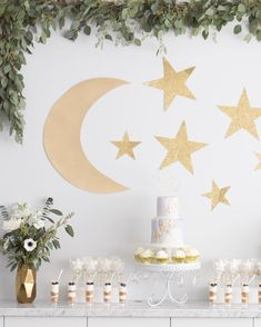 Twinkle Twinkle Little Star Baby Shower Ideas for every budget - Moon baby sho . - Twinkle Twinkle Little Star Baby Shower Ideas For Any Budget – Moon baby shower – - Diy Baby Shower Centerpieces, Baby Shower Favors, Baby Shower Themes, Baby Shower Gifts, Shower Ideas, Shower Cake, Baby Shower Decorations Neutral, Diy Centerpieces, Shower Party