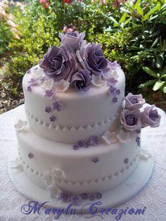 Torta wedding con rose lilla